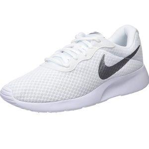 Nike Tanjun White/Silver